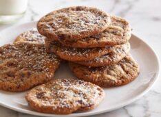 Классическое печенье с кусочками шоколада